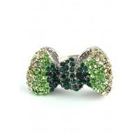КО1998-7 Кольцо безразмерное бантик с зелеными камнями, длина 3,5см, широта 2см
