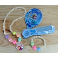 СП 3200-3 Комплект детский (зеркало, гребень, подвеска, браслет) белый